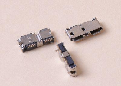 MICRO USB 3.0 B F 001